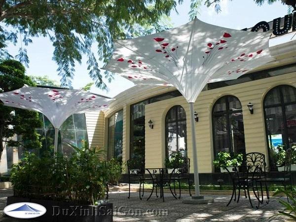 Dù Xinh Sài Gòn cung cấp dù trang trí quán cafe